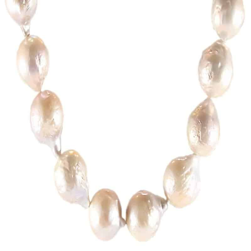 Kasumi Pearl Moonglow Necklace