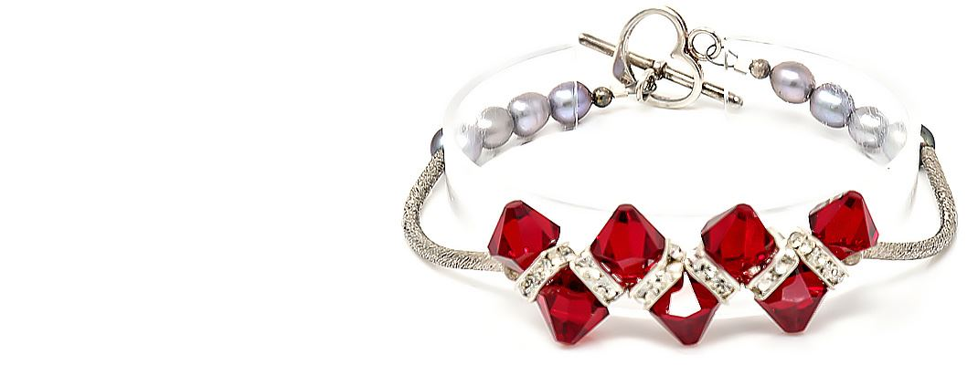 HerMJ - Venus Crystal Pearl Bracelet - Center